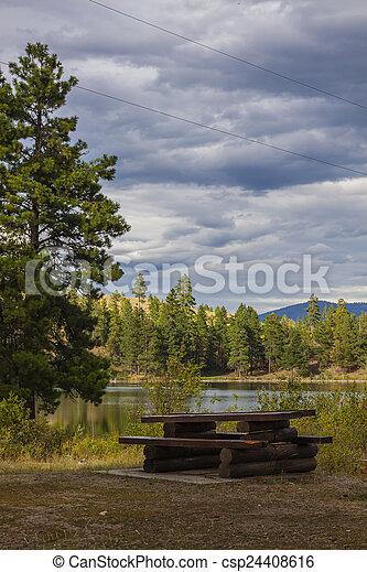 營地, 荒野 - csp24408616