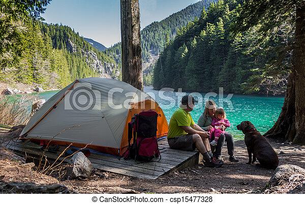 營房, 家庭, 荒野 - csp15477328