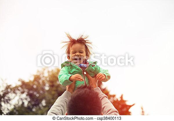父, の上, 空気, 朗らかである, 息子, 持ち上がること - csp38400113