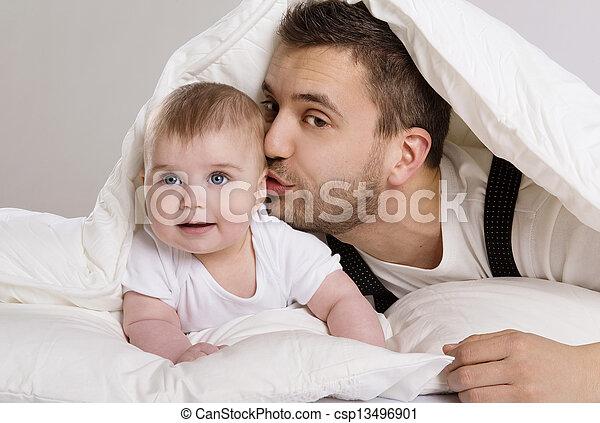 父, 子供 - csp13496901
