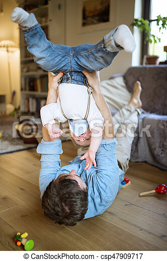 父, 彼の, home., 若い, 息子 - csp47909717