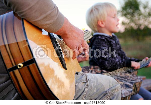 父, 息子, ギター, 外, 歌うこと, 遊び - csp27618090