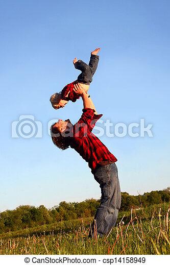 父, 持ち上がること, 息子 - csp14158949