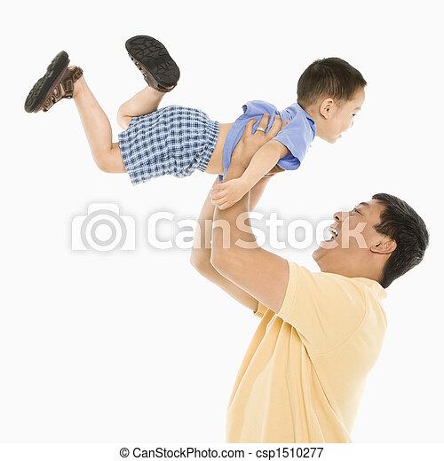 父, 持ち上がること, son. - csp1510277