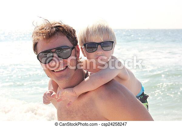 父, 背中, 海洋, 届く, 小豚, 息子, 浜 - csp24258247