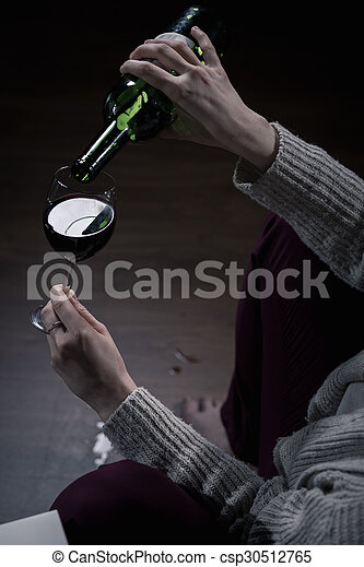玻璃, 充滿, 酒 - csp30512765