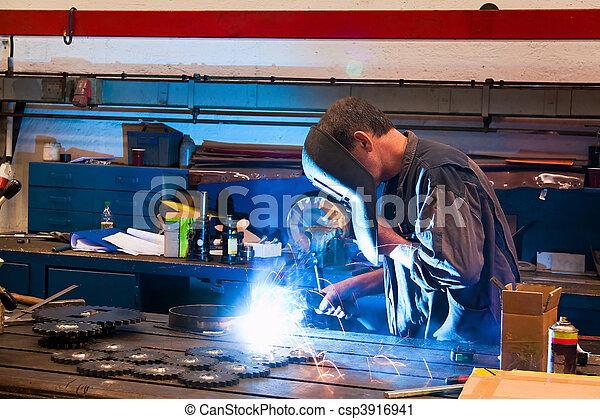 産業, ワークショップ, 金属, 溶接工 - csp3916941