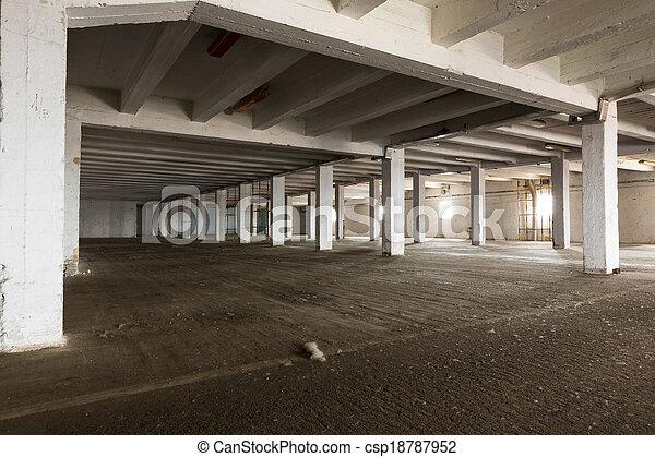 産業, 古い, ライト, 明るい, 内部, 倉庫, 空 - csp18787952