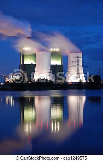 産業, 夜 - csp1249575