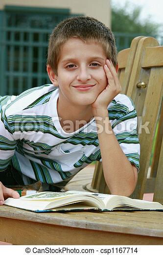 男の子の読書, 本 - csp1167714