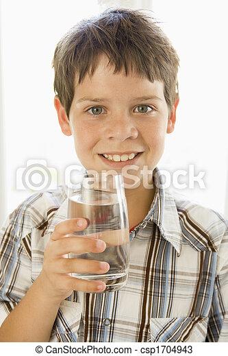男の子, 若い, 水, 屋内, 飲むこと, 微笑 - csp1704943