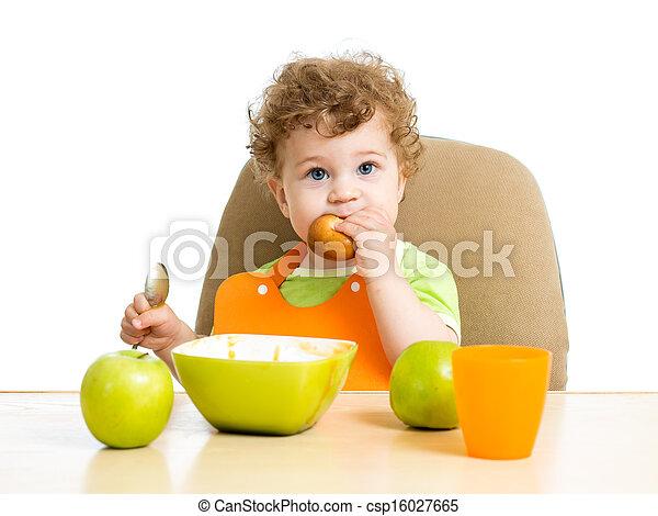 男の赤ん坊, 彼自身, 食べること - csp16027665
