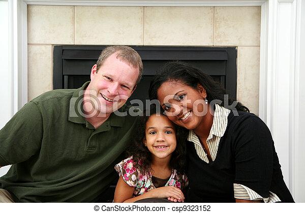 異人種間の家族 - csp9323152
