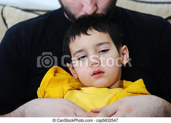 病気の 子供 - csp5632547