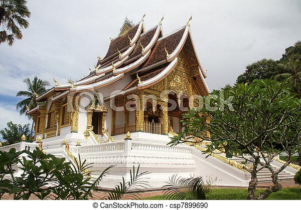 白, 仏教の 寺院 - csp7899690