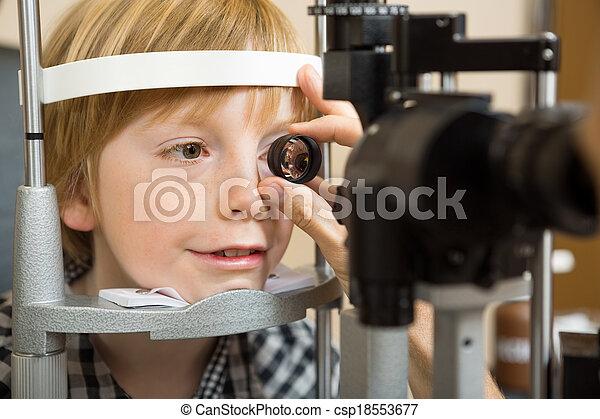 目, 点検, 手, レンズ, 男の子, optician - csp18553677