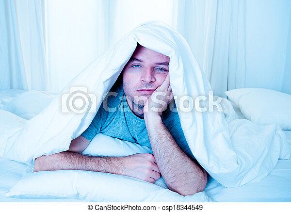睡眠, 苦しみ, 目, ベッド, 無秩序, 人, 不眠症, 開いた - csp18344549
