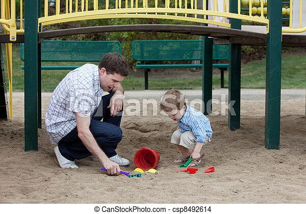 砂, 遊び, 父, 運動場, 息子 - csp8492614