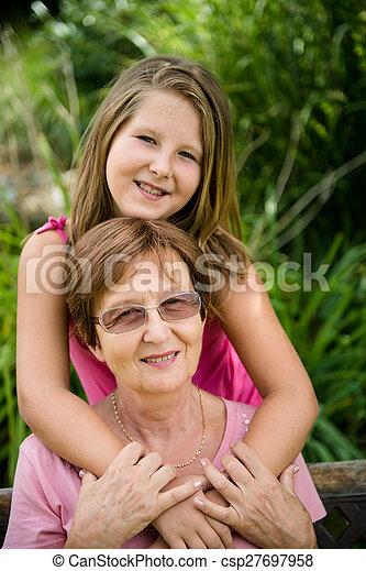 祖母, 孫 - csp27697958