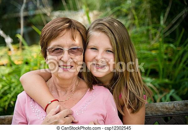 祖母, 孫 - csp12302545