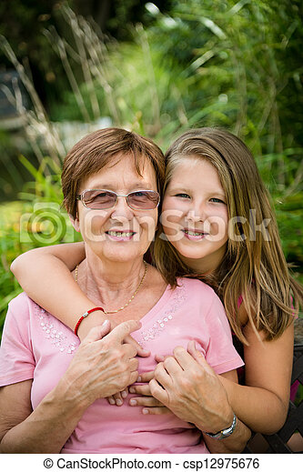 祖母, 孫 - csp12975676