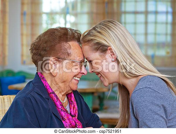 祖母, 孫, 訪問 - csp7521951