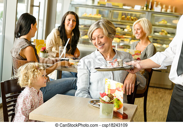 祖母, 待つこと, 孫, ケーキ, カフェ, 順序 - csp18243109