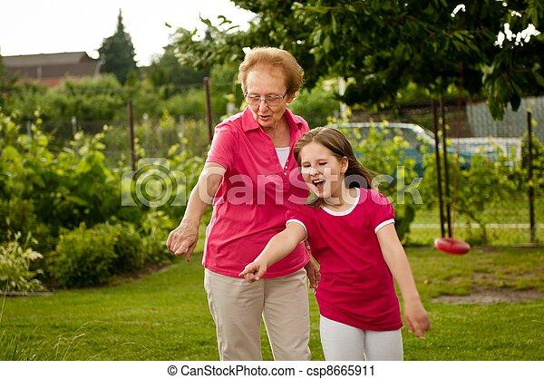祖父母, 孫 - csp8665911