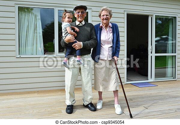 祖父母, 関係, 孫 - csp9345054
