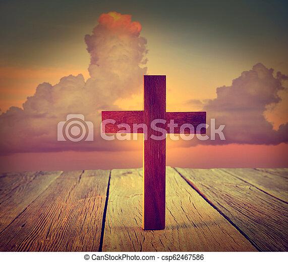 空, 木, キリスト教徒, 交差点, 日没 - csp62467586