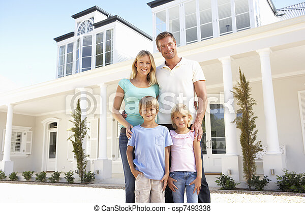 站立, 家庭, 年輕, 外面, 家, 夢想 - csp7493338