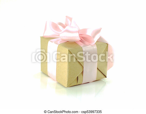 箱, 贈り物, 隔離された, 弓, リサイクルされる, ペーパー, 背景, 包まれた, 白いリボン - csp53997335