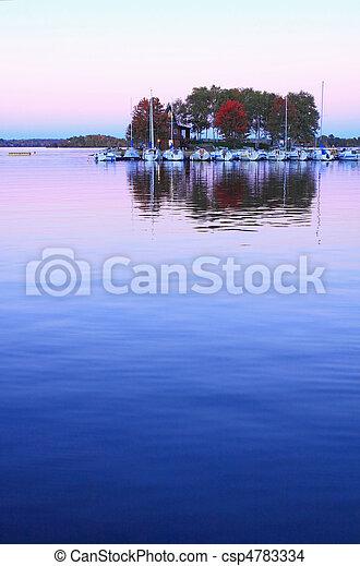 紫色的日落 - csp4783334