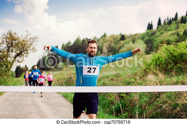 終わり, ランナー, nature., 競争, レース, 交差, 線, 人 - csp70769716