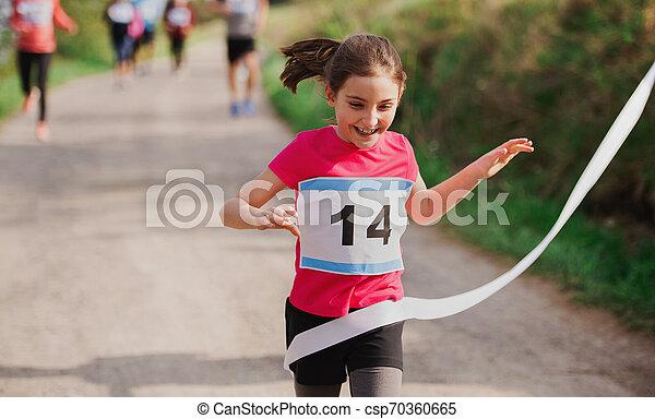 終わり, ランナー, nature., 競争, 小さい, レース, 交差, 女の子, 線 - csp70360665
