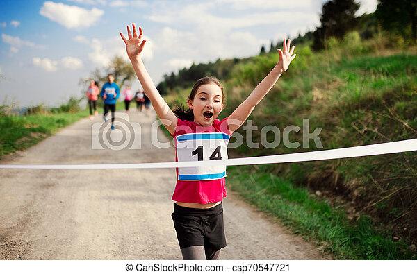 終わり, ランナー, nature., 競争, 小さい, レース, 交差, 女の子, 線 - csp70547721