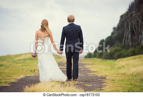 結婚式 - csp18173103