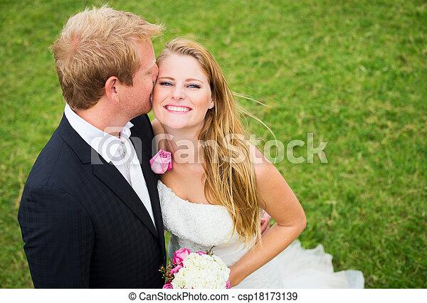 結婚式 - csp18173139