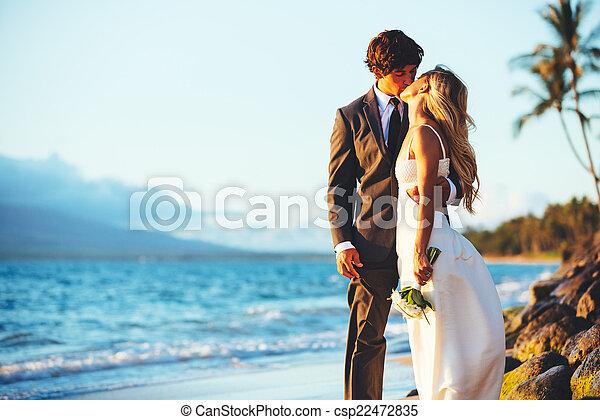 結婚式 - csp22472835