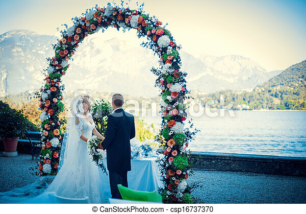 結婚式 - csp16737370