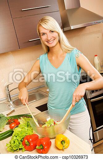 美しい女性, サラダボール, 若い, ガラス, 野菜, 混合 - csp10326973