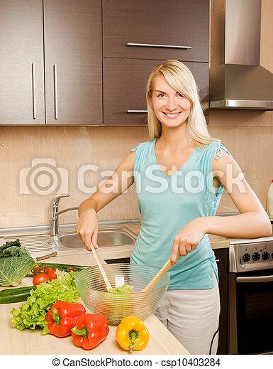 美しい女性, サラダボール, 若い, ガラス, 野菜, 混合 - csp10403284