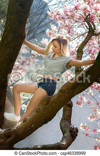 美しい女性, 健康, モクレン, 若い, 花 - csp46338999