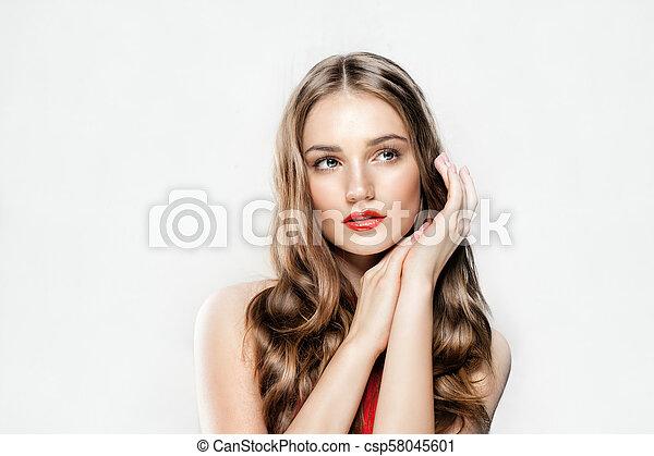美しい女性, 巻き毛, 構造, 美容術, 若い, 長い間, 皮膚, 待遇, 美顔術, hair., 新たに, 美しさ - csp58045601