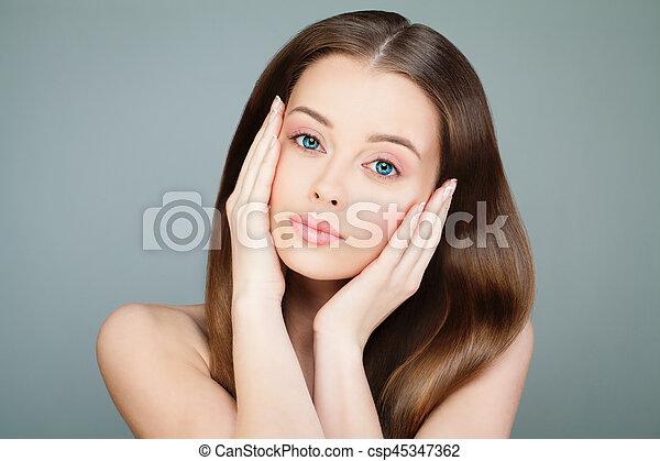 美しい女性, 美しさ, 彼女, face., 若い, treatment., 感動的である, 新たに, 美容術, 美顔術, 皮膚, エステ - csp45347362