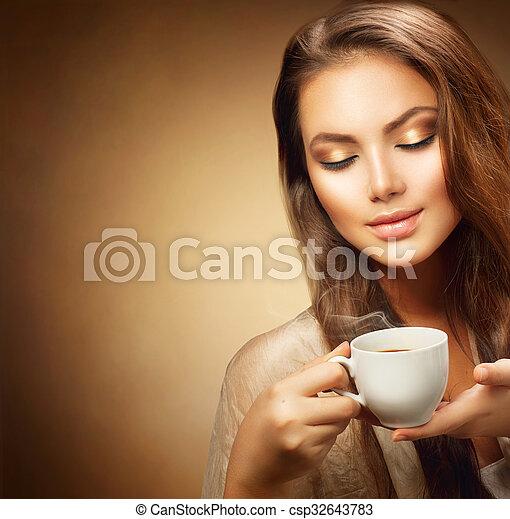 美しい, コーヒー, 女, カップ, 若い, 暑い - csp32643783