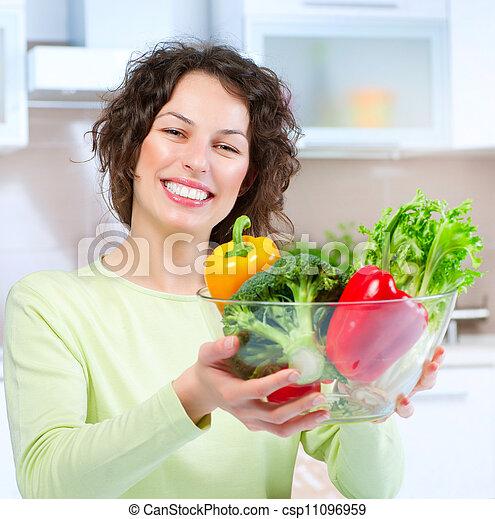 美しい, 健康な女性, 食物, 若い - csp11096959