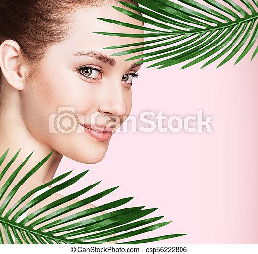 美しい, 完全, 女, leaves., やし, 皮膚 - csp56222806