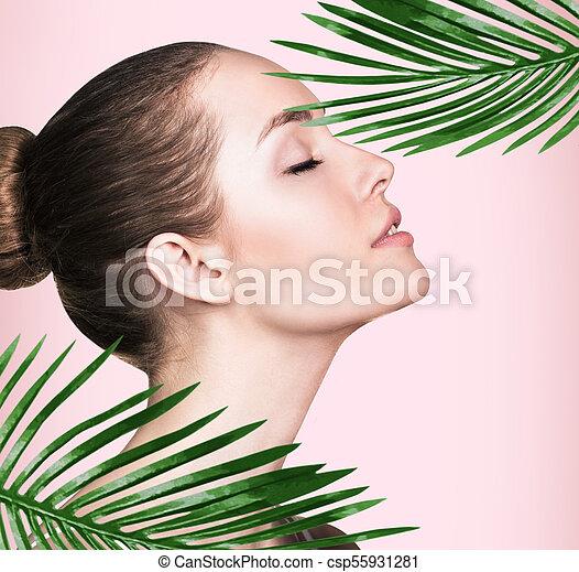 美しい, 完全, 女, leaves., やし, 皮膚 - csp55931281