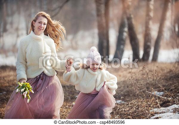 美しい, 春, 娘, 公園, 母 - csp48493596